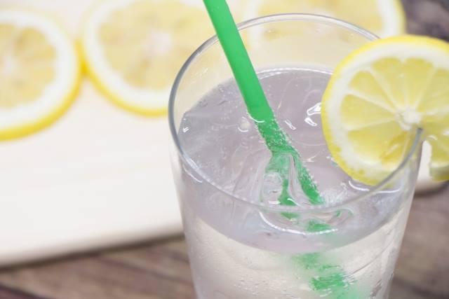 ポッカレモンでレモンスカッシュ