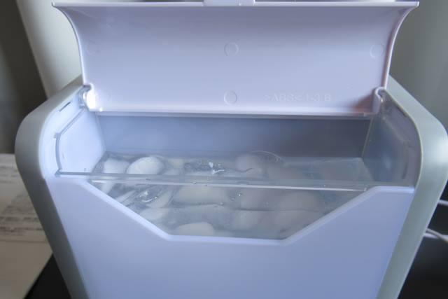 ここひえ 氷水を入れる